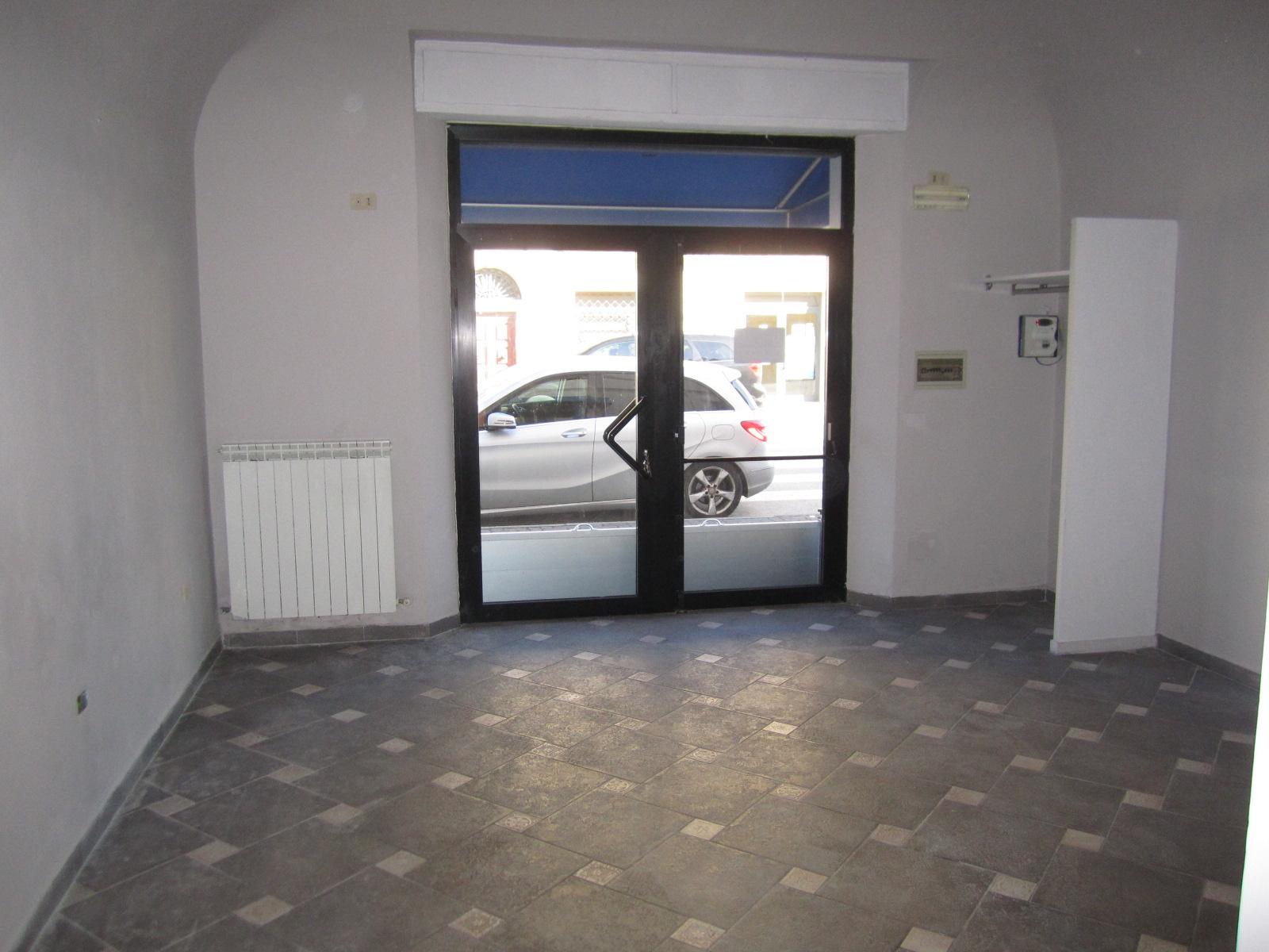 Laboratorio in affitto a Cascina, 9999 locali, zona Zona: Casciavola, prezzo € 800 | Cambio Casa.it