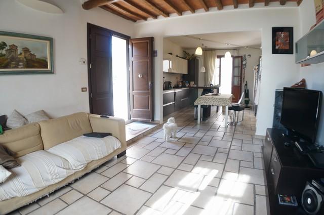 Soluzione Indipendente in vendita a Cascina, 4 locali, zona Zona: Casciavola, prezzo € 195.000   Cambio Casa.it