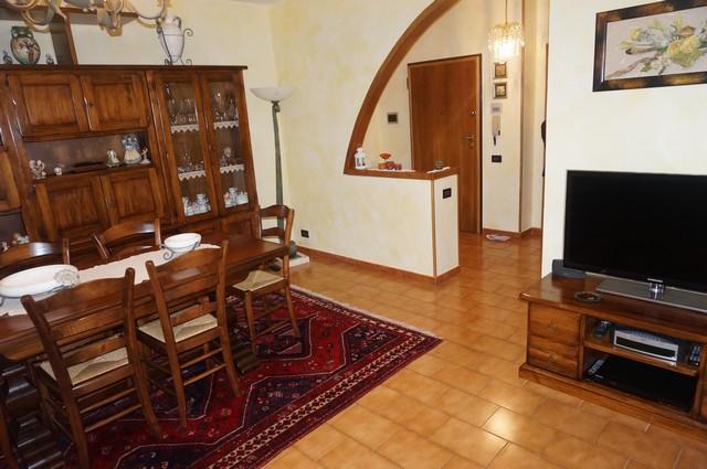 Appartamento in vendita a Cascina, 4 locali, zona Località: Centro, prezzo € 125.000 | Cambio Casa.it