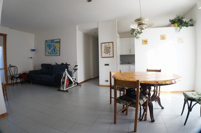 Appartamento in vendita a Cascina, 4 locali, zona Località: Centro, prezzo € 139.000 | Cambio Casa.it