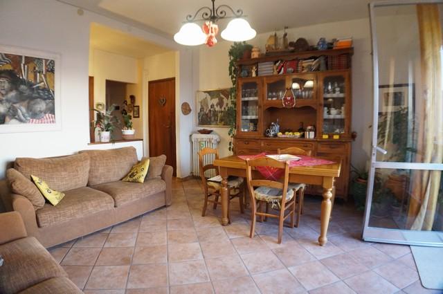 Appartamento in vendita a Cascina, 4 locali, zona Località: Centro, prezzo € 135.000   Cambio Casa.it