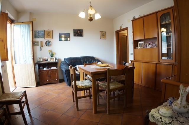Appartamento in vendita a Vicopisano, 3 locali, zona Zona: Cucigliana, prezzo € 120.000 | Cambio Casa.it