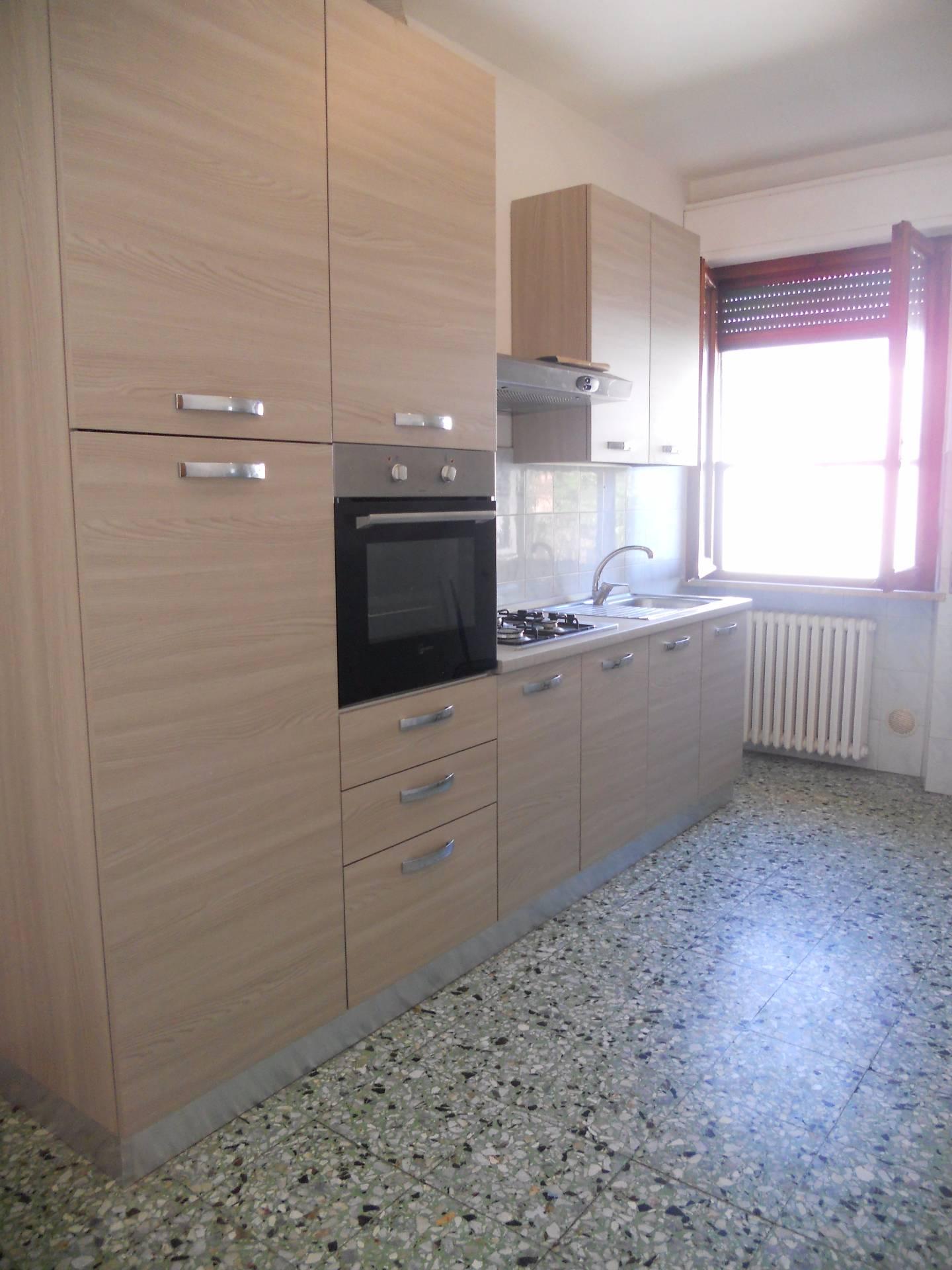 Appartamento in affitto, rif. AC5988