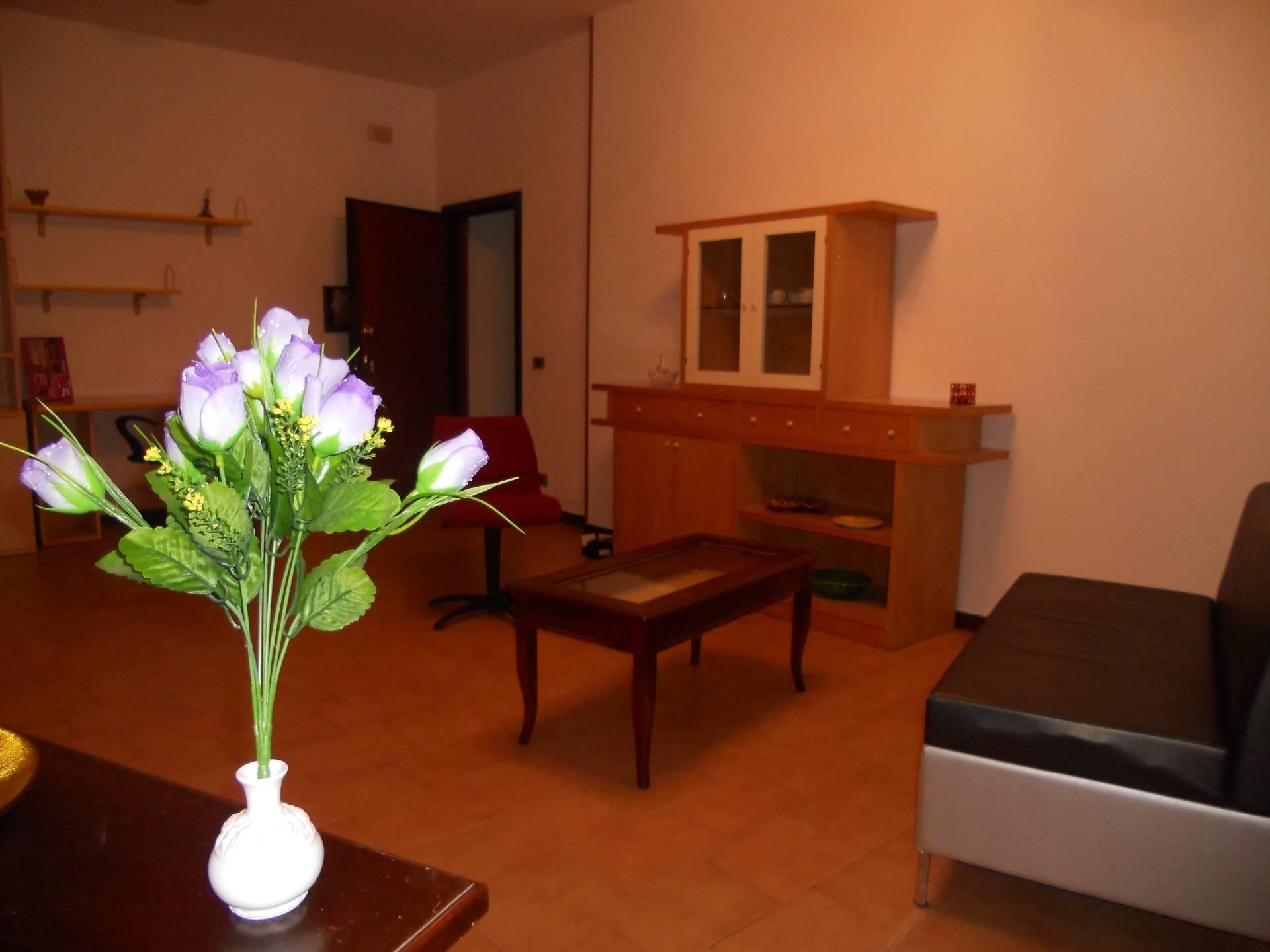 Appartamento in affitto, rif. AC6074