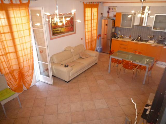 Villetta a schiera in affitto, rif. AC4766a