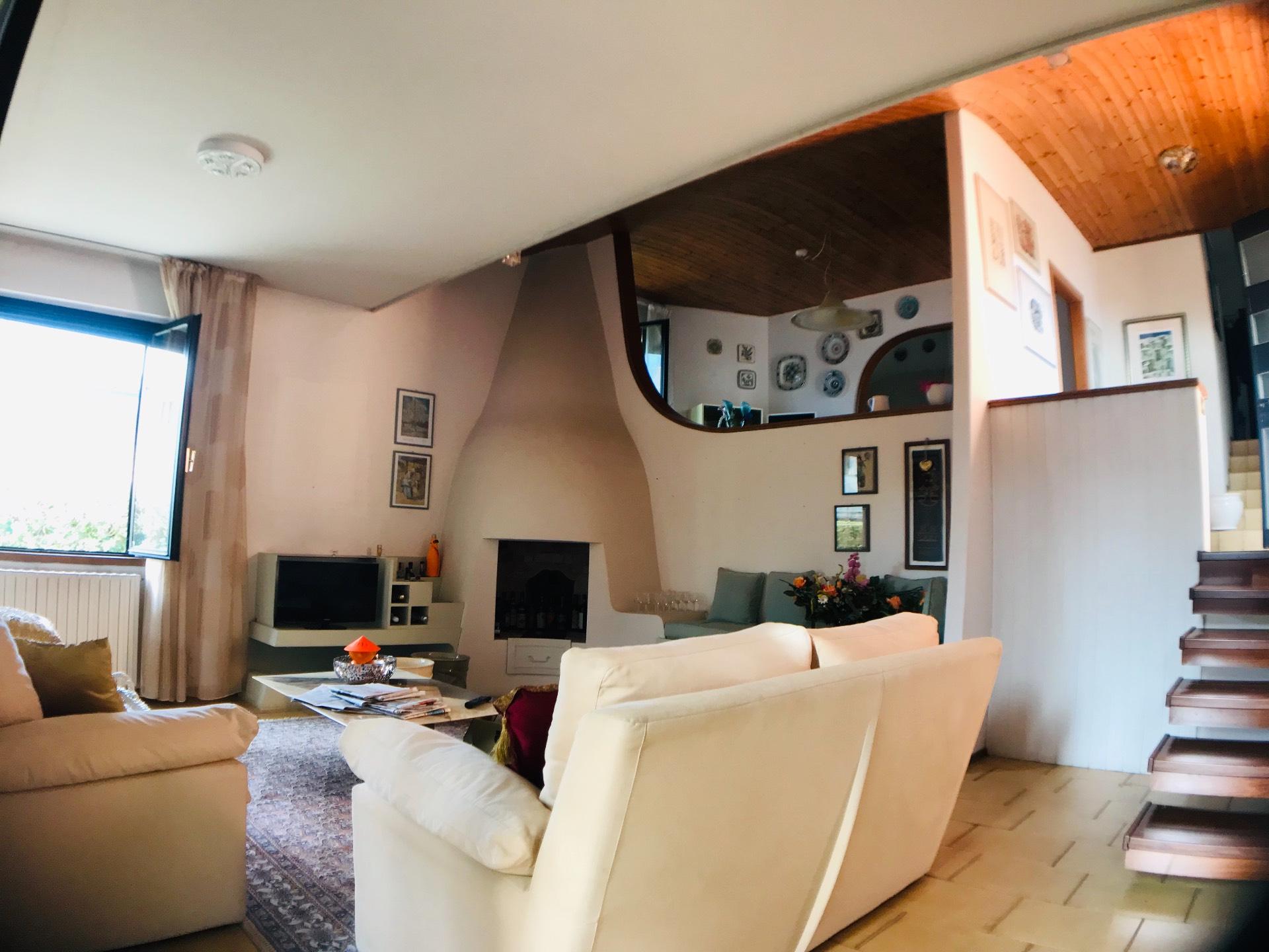 Camino Aperto Su Tre Lati putignano - pisa casa indipendente 150,00 mq € 380.000,00