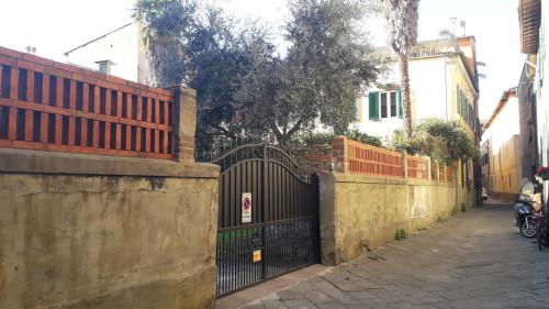 Posto auto scoperto in Affitto a Pisa
