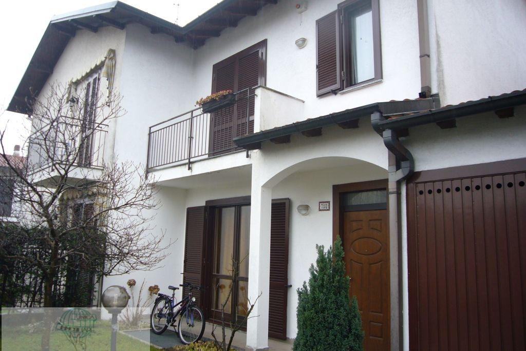 Arconate | Villetta a Schiera in Vendita in Arconate via Cuggiono | lacasadimilano.it