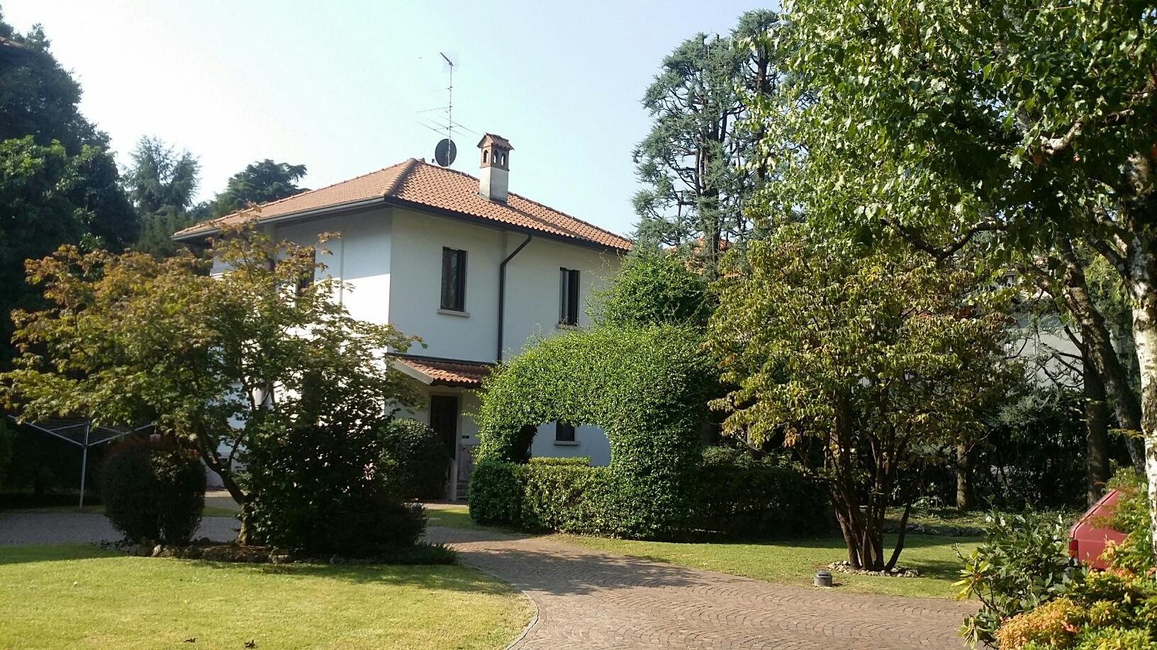 Villa in vendita a Magenta, 4 locali, prezzo € 535.000 | Cambio Casa.it