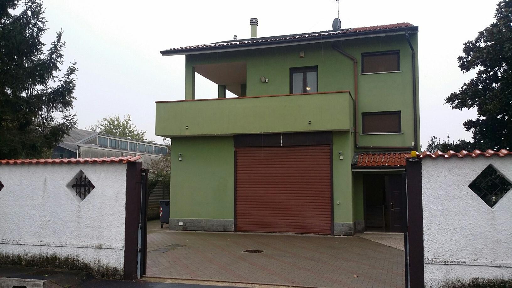 Villa Bifamiliare in Vendita a Settimo Milanese