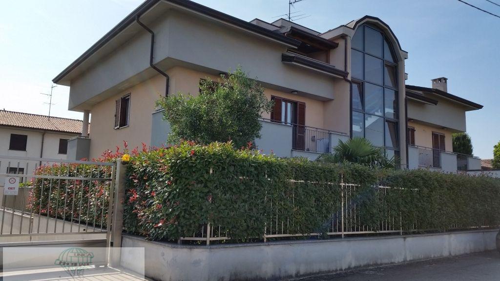Attico / Mansarda in vendita a Mesero, 2 locali, prezzo € 100.000 | Cambio Casa.it