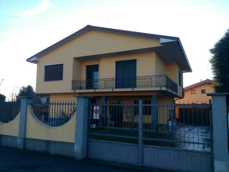 Cuggiono   Villa in Vendita in Via Matteotti   lacasadimilano.it