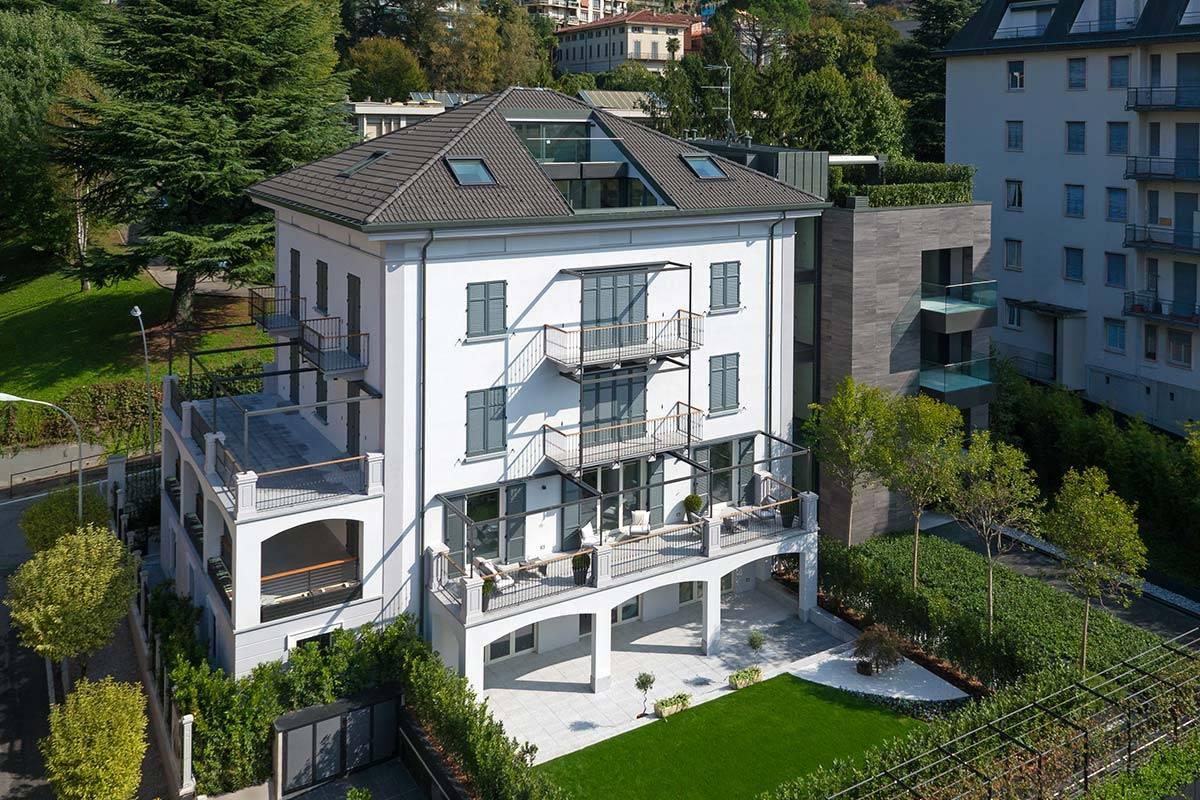Appartamento in vendita a Como, 3 locali, zona Centro - Centro Storico, prezzo € 750.000 | PortaleAgenzieImmobiliari.it