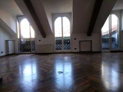 Mansarda in Affitto a Milano