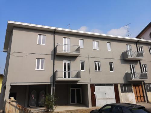 Appartamento in Affitto a Cerano