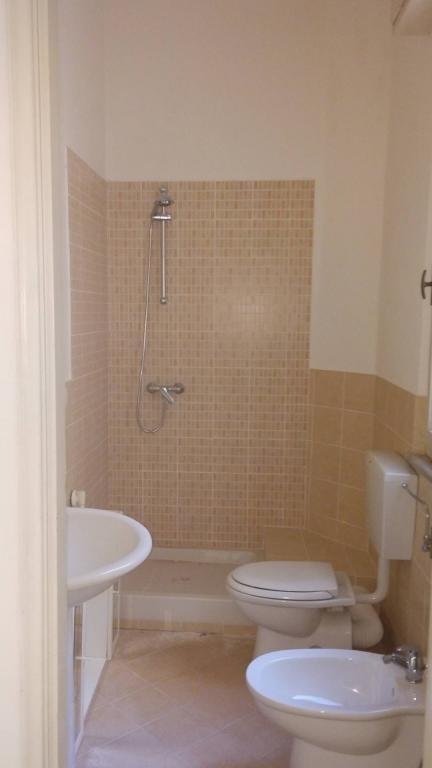 Case e appartamenti a pisa agenzia immobiliare la spina appartamento in vendita a pisa - Metratura minima bagno ...