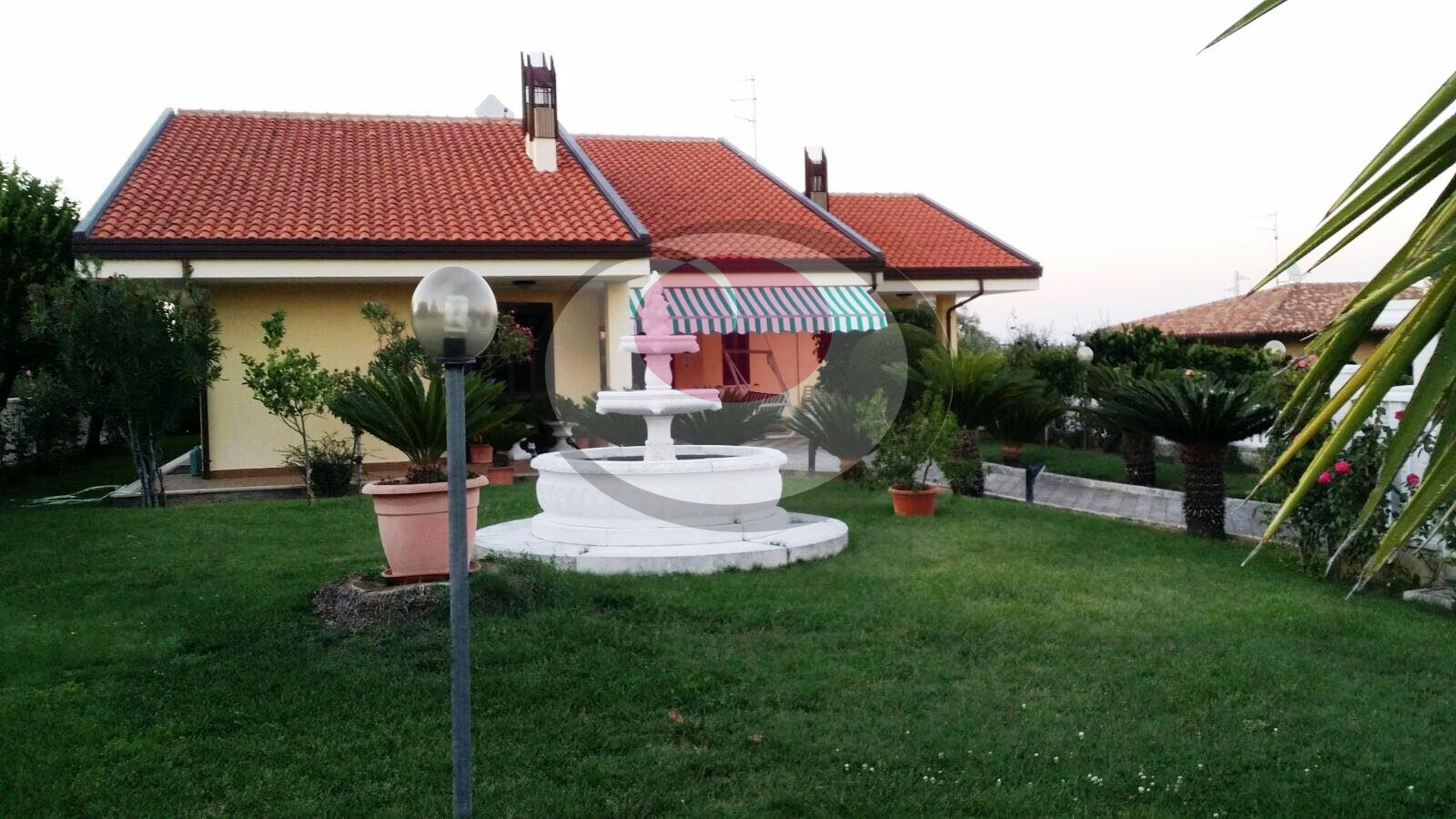 Villa in vendita a Treglio, 9 locali, prezzo € 285.000 | Cambio Casa.it