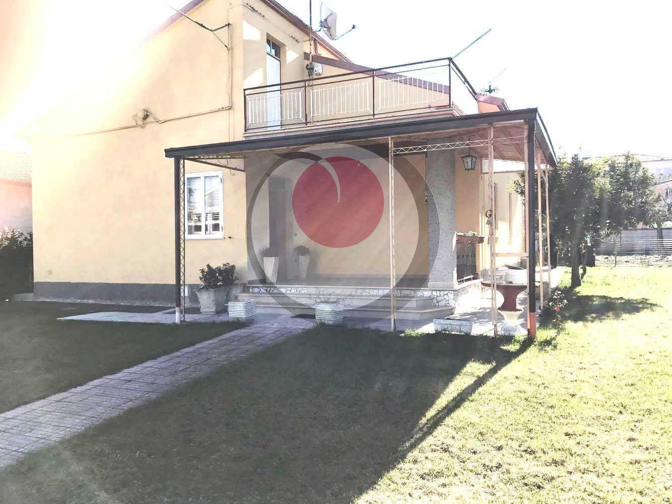 Soluzione Indipendente in vendita a Lanciano, 5 locali, prezzo € 260.000   Cambio Casa.it