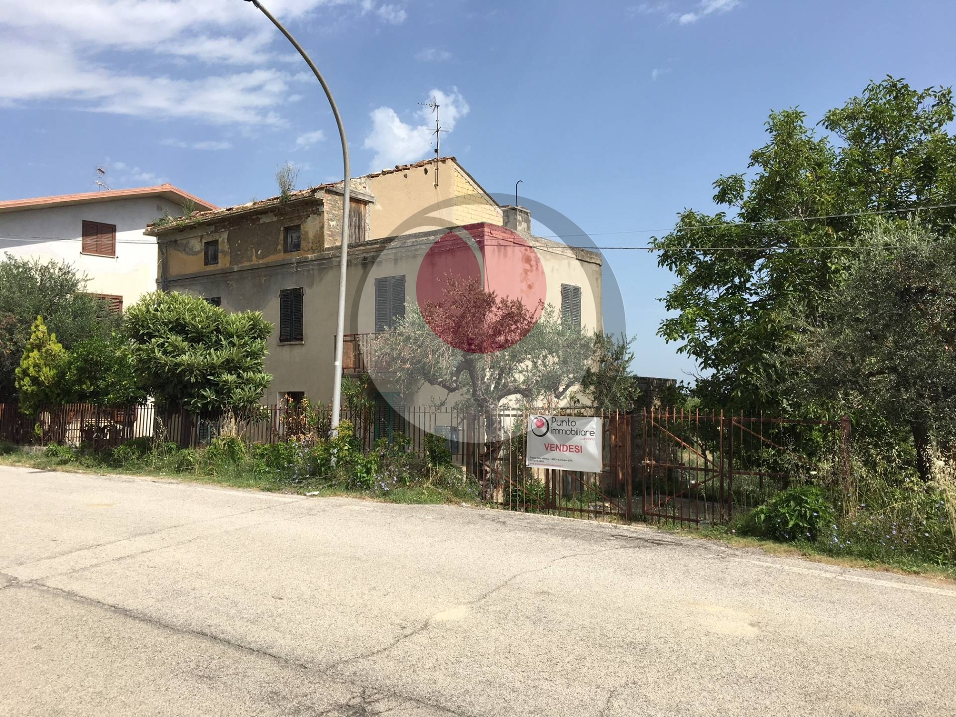 Rustico / Casale in vendita a Frisa, 8 locali, prezzo € 95.000 | CambioCasa.it