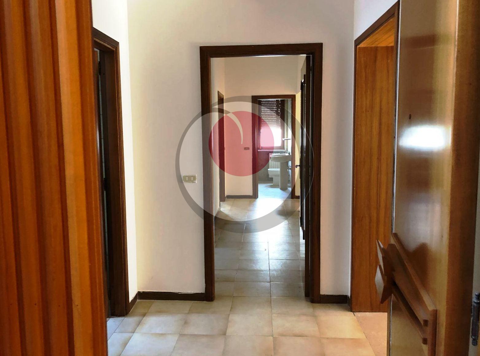 Appartamento in vendita a Mozzagrogna, 7 locali, prezzo € 120.000 | CambioCasa.it