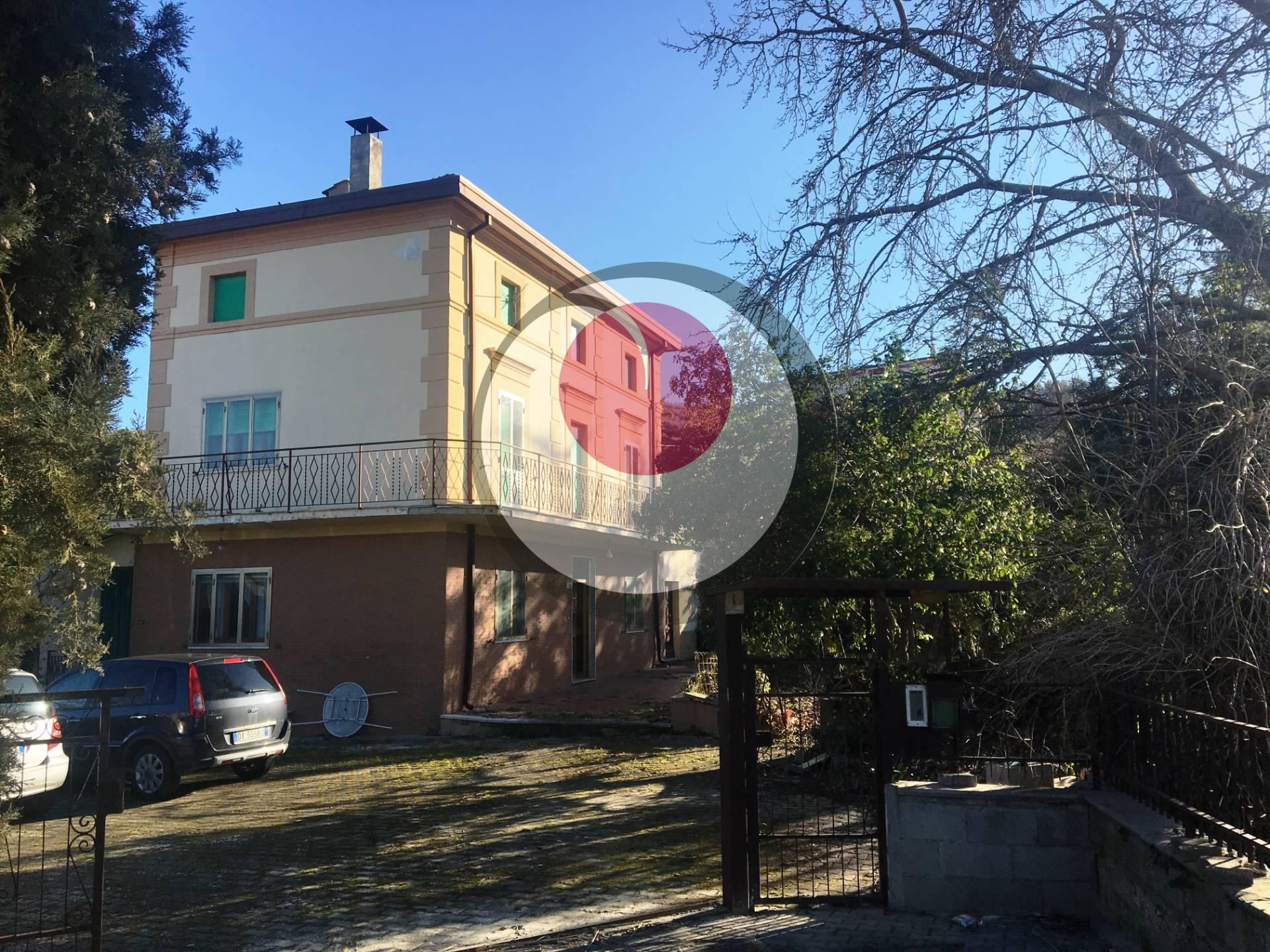 Casa indipendente in vendita a Castel Frentano (CH)