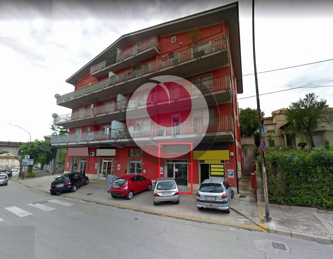 Negozio / Locale in affitto a Lanciano, 9999 locali, prezzo € 800 | CambioCasa.it