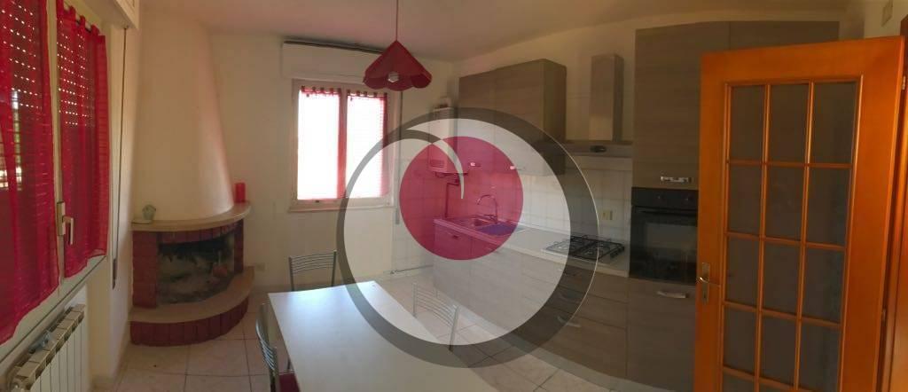 Appartamento in affitto a San Vito Chietino, 4 locali, zona Località: SanVitoMarina, prezzo € 400 | CambioCasa.it