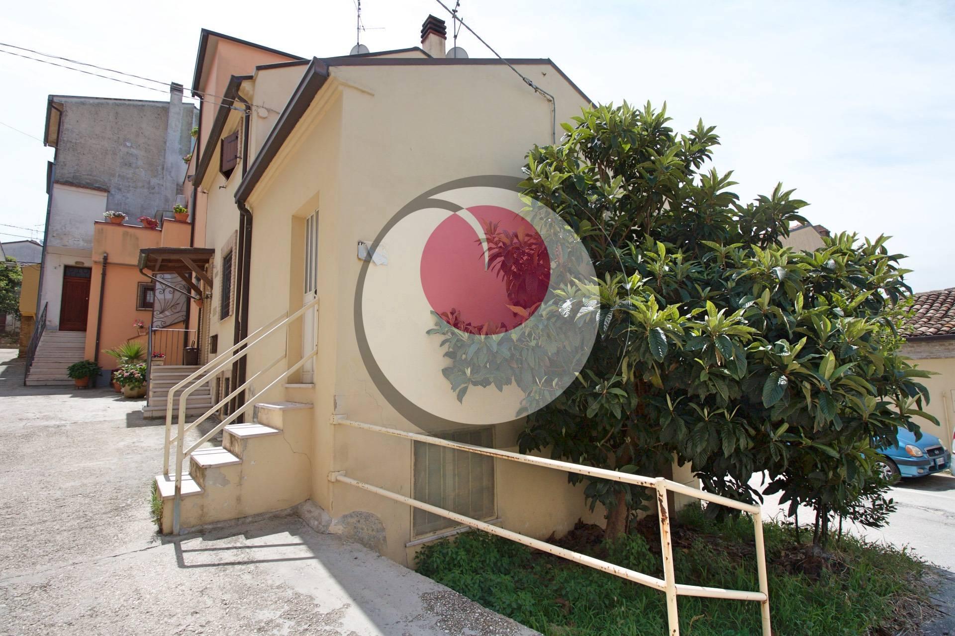 Fondo commerciale in vendita a Castel Frentano (CH)