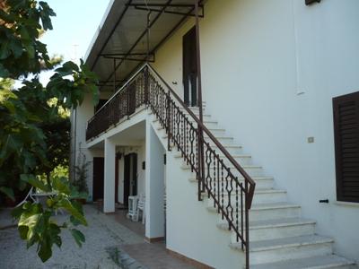 Soluzione Semindipendente in vendita a Corropoli, 3 locali, zona Località: residenziale, prezzo € 60.000 | CambioCasa.it
