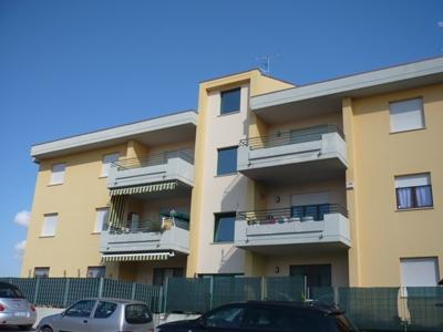 Appartamento in vendita a Corropoli, 3 locali, zona Località: StradaProvincialeperControguerra, prezzo € 105.000 | CambioCasa.it