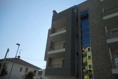 Appartamento in vendita a Alba Adriatica, 4 locali, zona Località: ViaTrento, prezzo € 145.000 | PortaleAgenzieImmobiliari.it