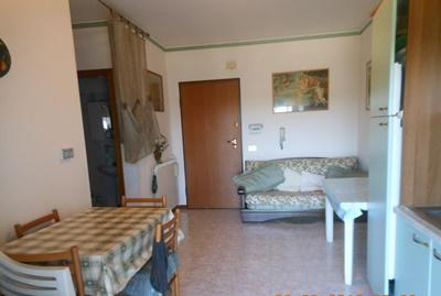 Bilocale Alba Adriatica Via Baracca 10