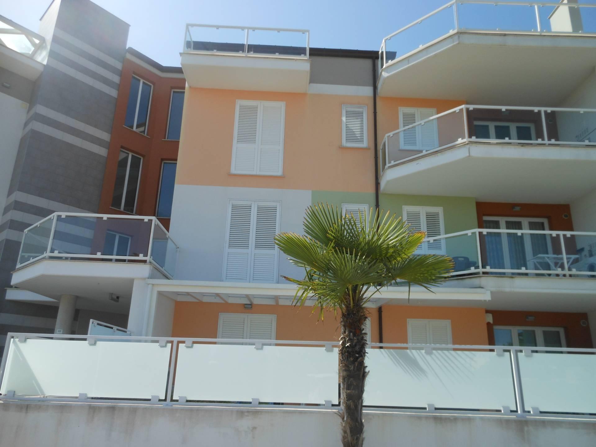 Appartamento in vendita a Nereto, 4 locali, zona Località: residenziale, prezzo € 110.000   PortaleAgenzieImmobiliari.it