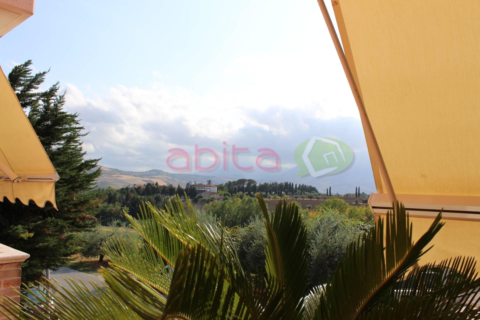 Appartamento in vendita a Spinetoli, 3 locali, zona Località: PagliaredelTronto, prezzo € 95.000 | CambioCasa.it