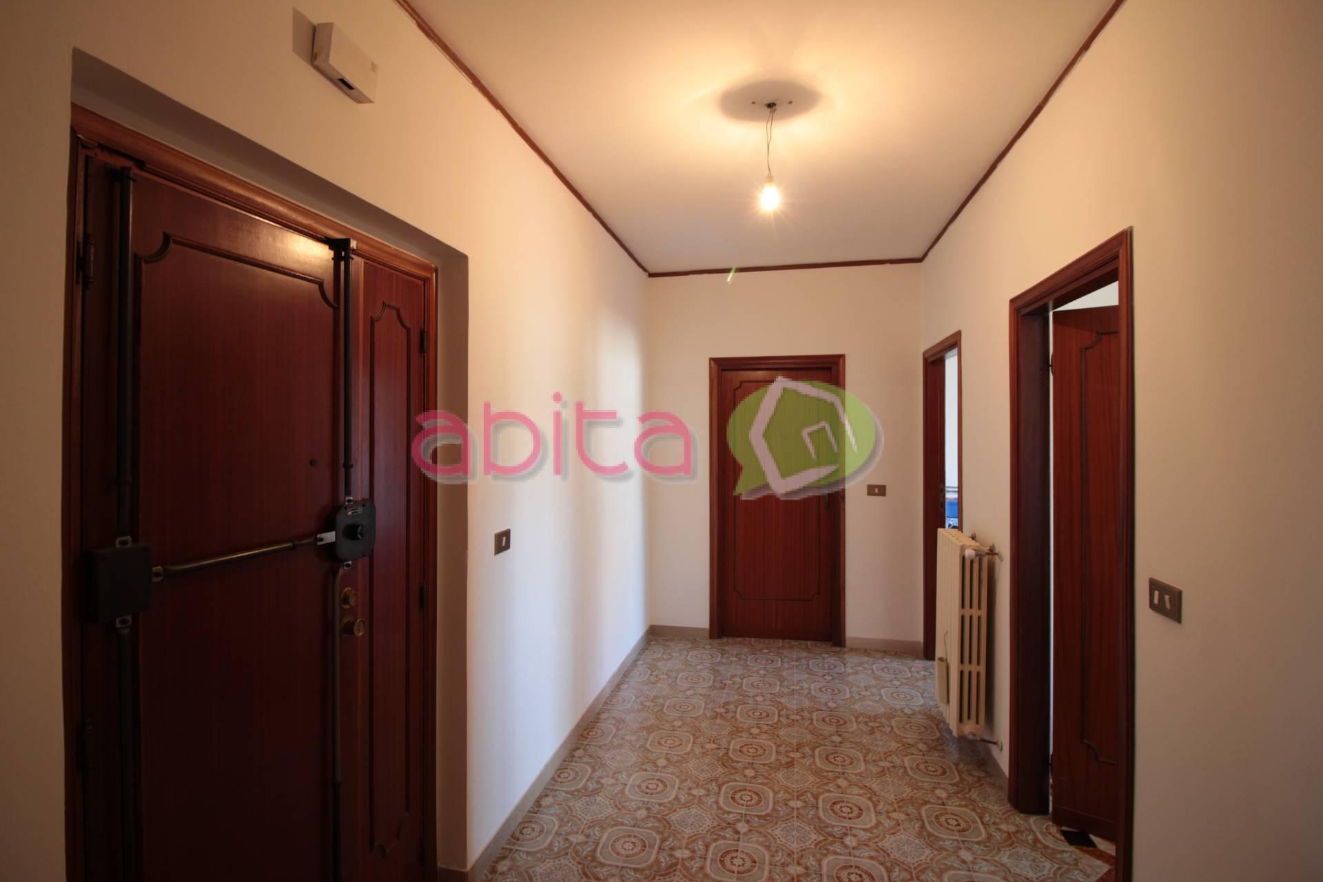 Appartamento in vendita a Spinetoli, 4 locali, zona Località: PagliaredelTronto, prezzo € 80.000   CambioCasa.it