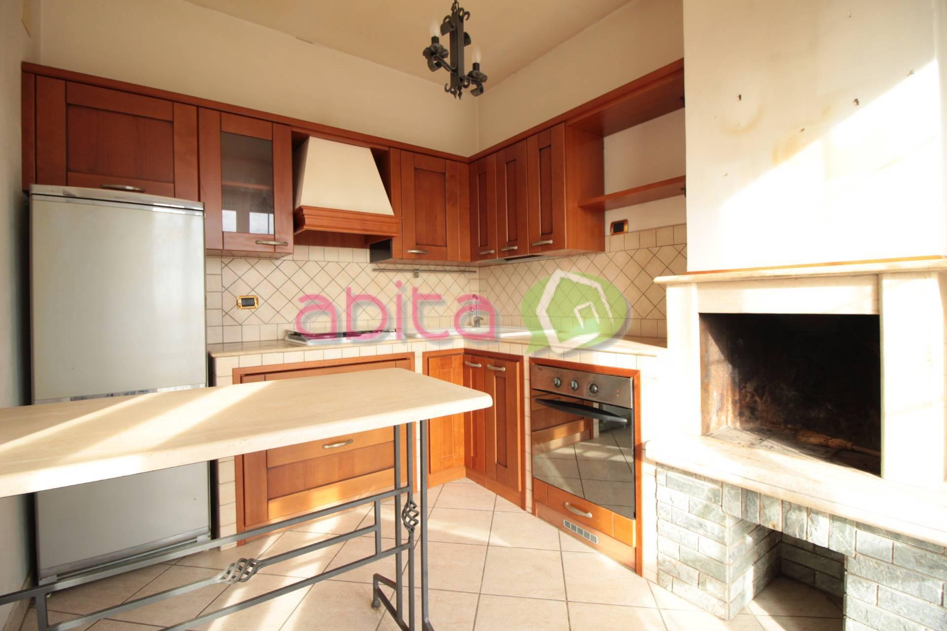 Appartamento in vendita a Spinetoli, 3 locali, prezzo € 59.000 | CambioCasa.it