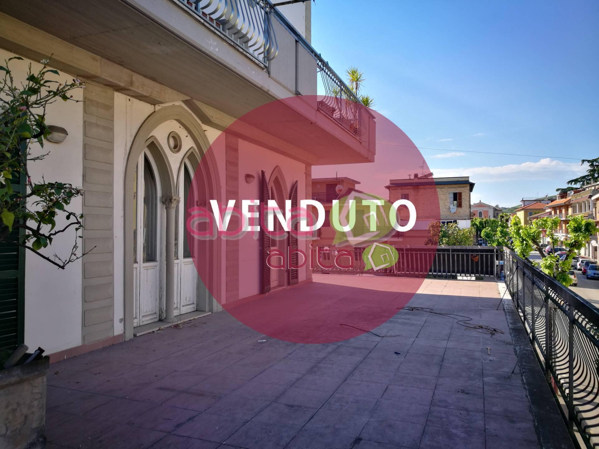 Appartamento in vendita a Spinetoli, 4 locali, zona Località: PagliaredelTronto, prezzo € 90.000   CambioCasa.it