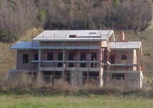 Villa in Vendita a Controguerra