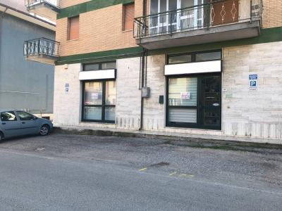 Locale commerciale in Affitto a Spinetoli