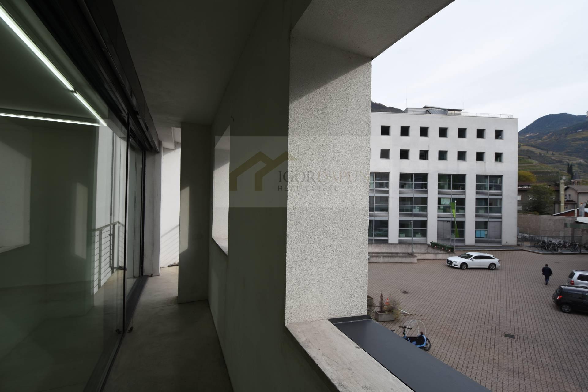 Studio/Ufficio in Affitto a Bolzano - Bozen Cod. 352