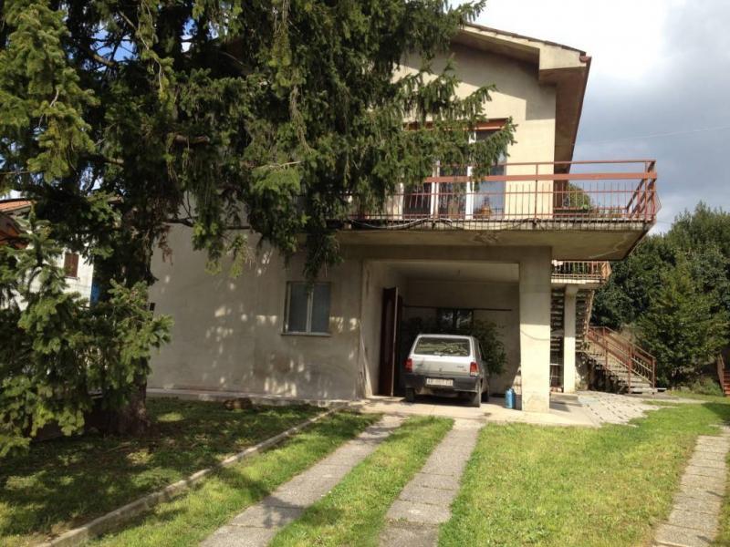 Soluzione Indipendente in vendita a Gradisca d'Isonzo, 10 locali, prezzo € 98.000 | Cambio Casa.it