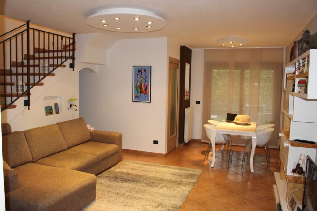 Villa a schiera fogliano redipuglia vendita 110 for Case in vendita privati