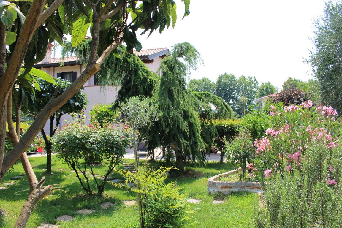 Villa in vendita a Ronchi dei Legionari, 8 locali, prezzo € 268.000 | Cambio Casa.it