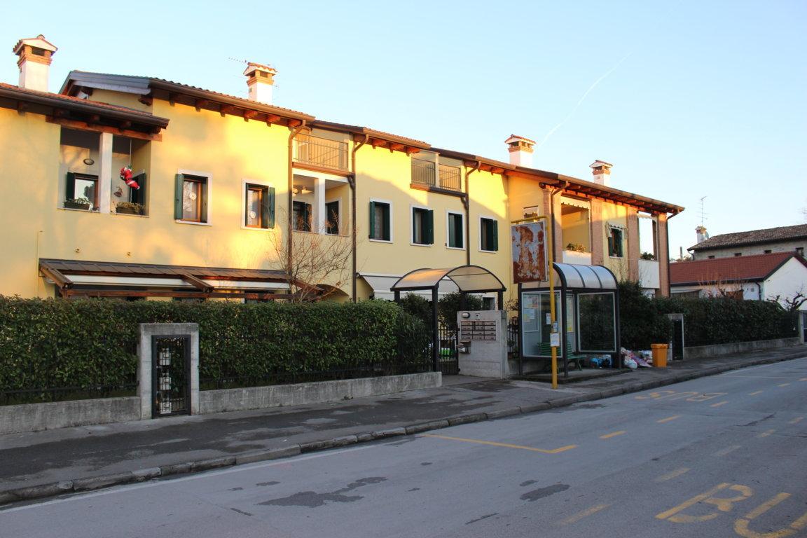 Appartamento in vendita a Ronchi dei Legionari, 3 locali, zona Zona: Vermegliano, prezzo € 87.000 | Cambio Casa.it