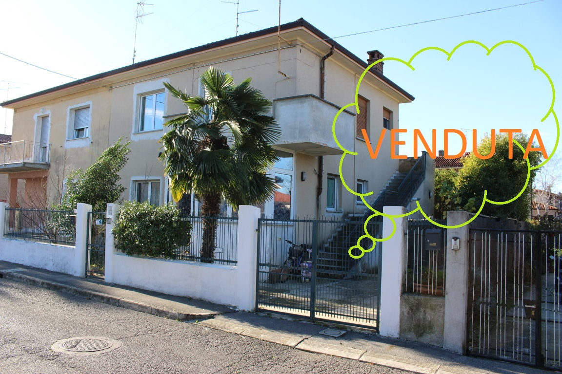 Soluzione Indipendente in vendita a Staranzano, 5 locali, prezzo € 165.000 | Cambio Casa.it
