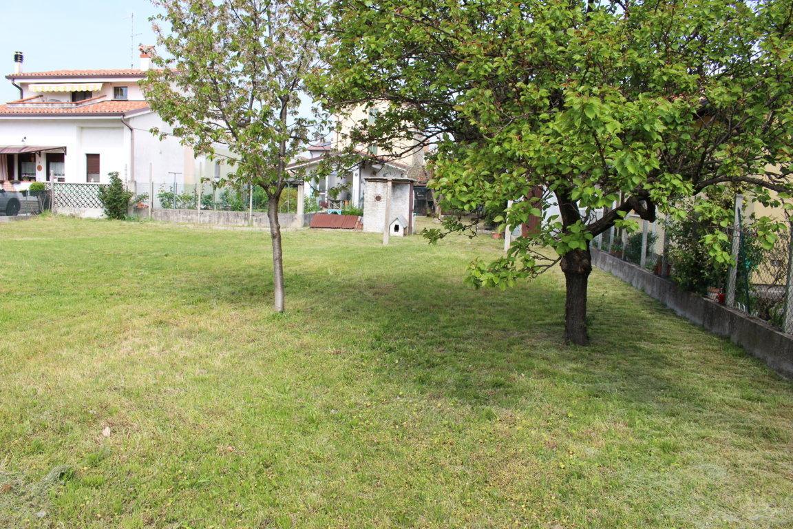 Soluzione Indipendente in vendita a Staranzano, 10 locali, prezzo € 185.000 | Cambio Casa.it