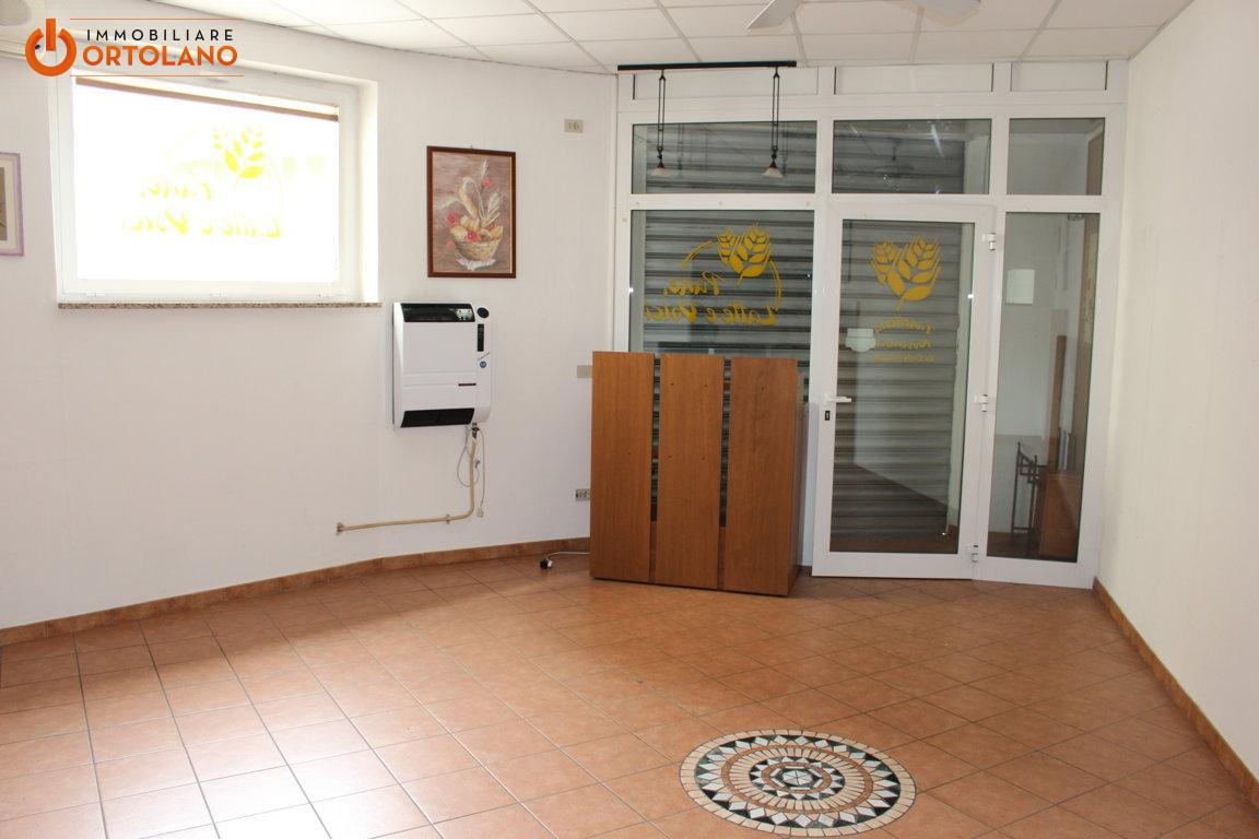 A Monfalcone Negozio / Locale  in Affitto