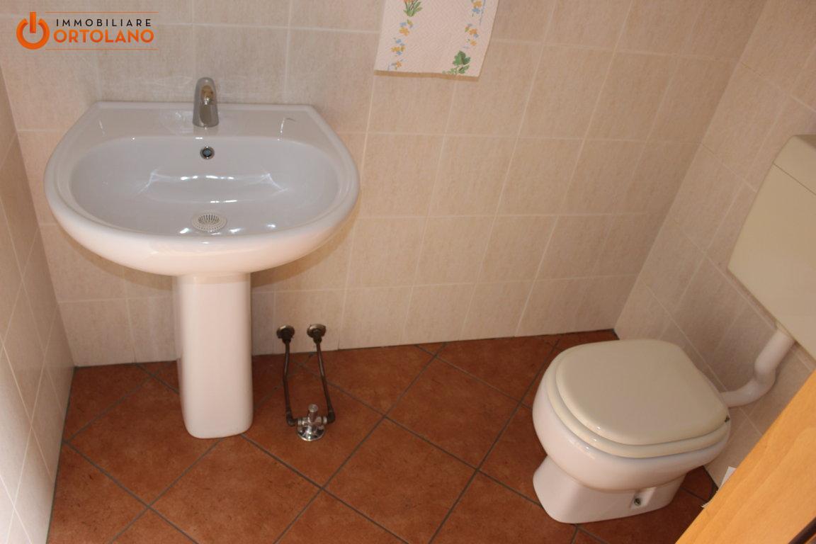 In Affitto a Monfalcone Negozio / Locale