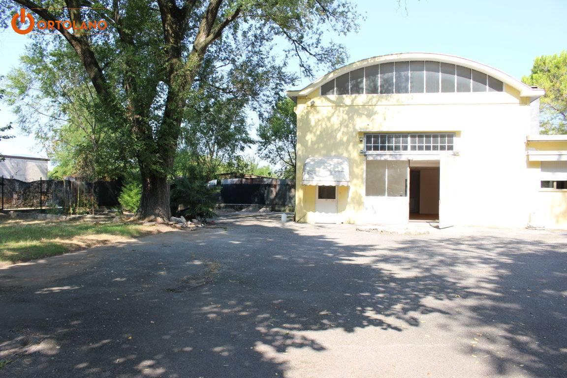 Capannone in vendita a Staranzano, 9999 locali, zona Zona: Bistrigna, Trattative riservate | CambioCasa.it