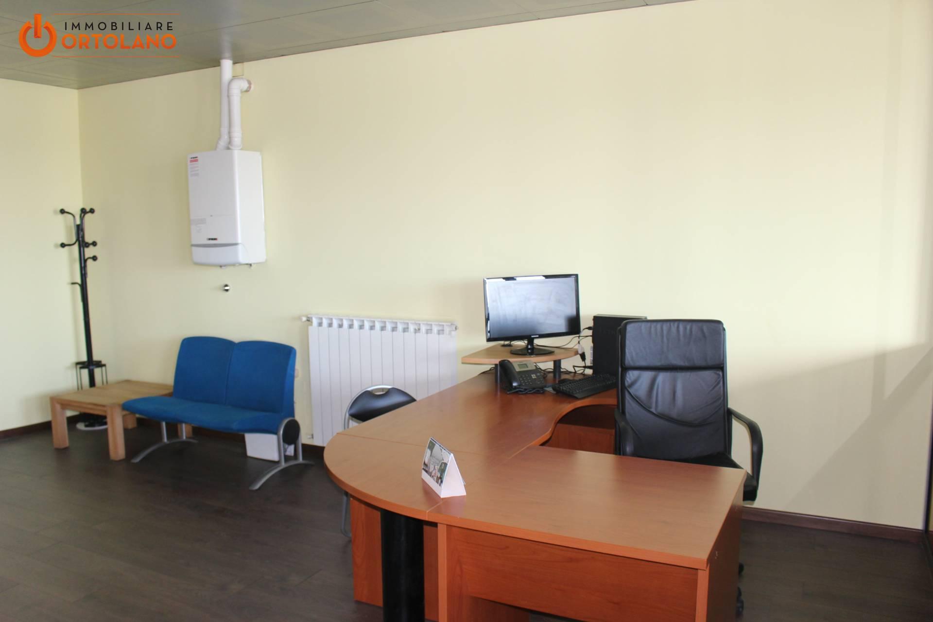 Ufficio / Studio in affitto a Turriaco, 9999 locali, prezzo € 500 | CambioCasa.it